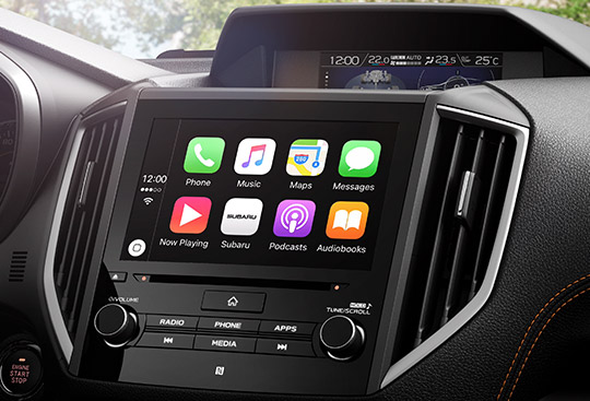 APPLE CARPLAY<sup>*3</sup> A ANDROID AUTO™<sup>*4</sup>